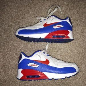 Nike air max boy shoes size 2Y.